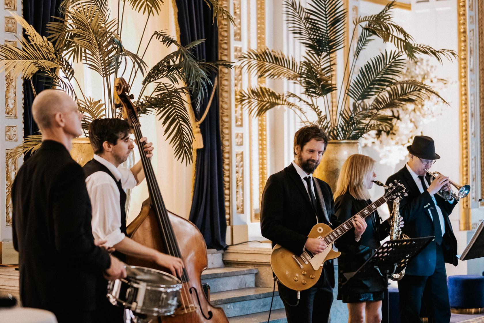 The-Directors-Showband-_-weddings-montreal-music-