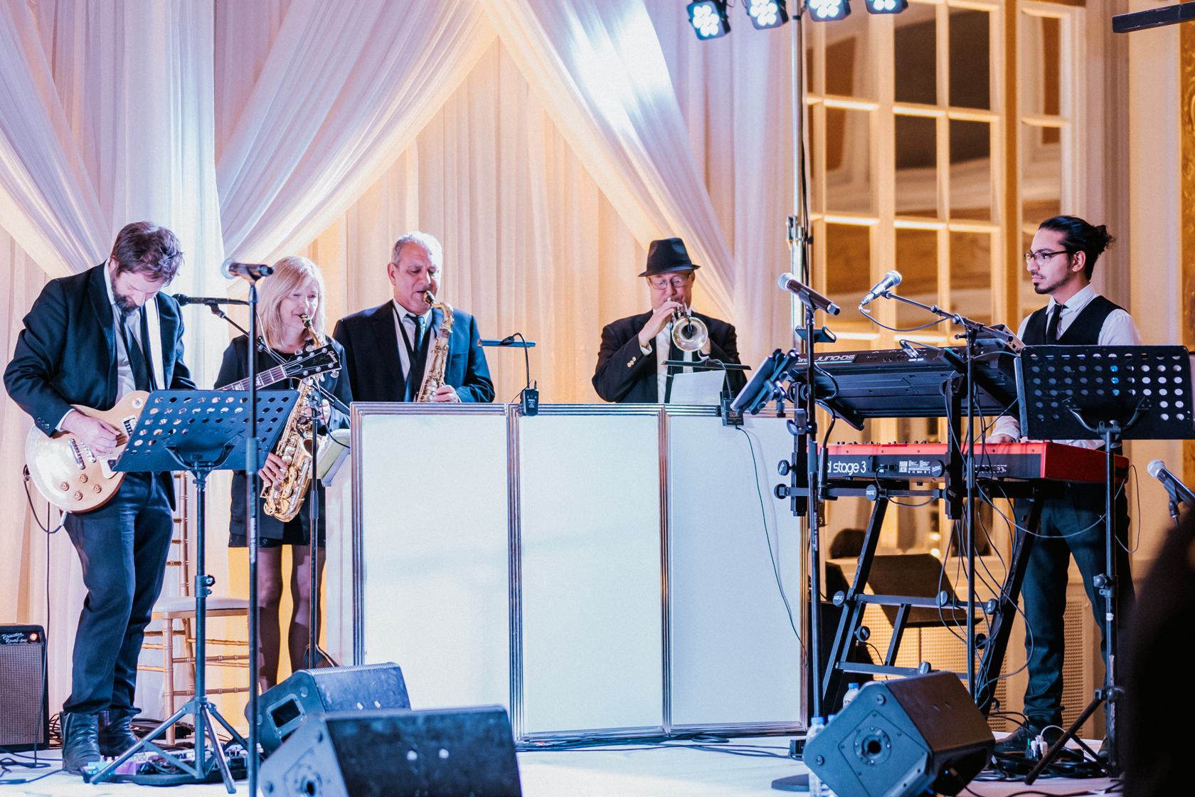 the-directors-showband-_-Montreal-wedding-band-_music-weddings-